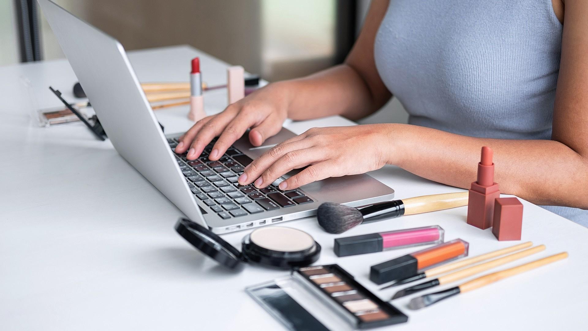 Passo a passo: como abrir um e-commerce de cosméticos